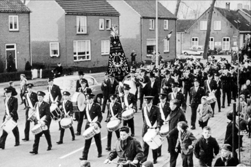 36 Eerste uniform 1964
