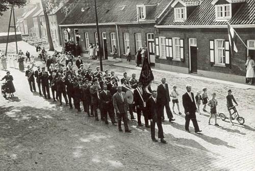 Fanfare 1959 priester inwijding